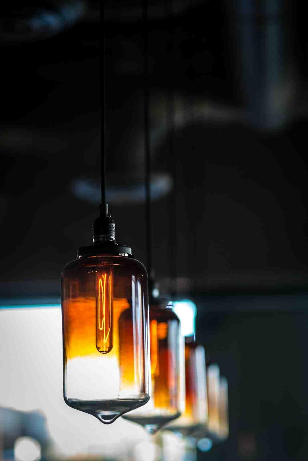 Comment calculer le nombre de kilowatts consommés par une ampoule